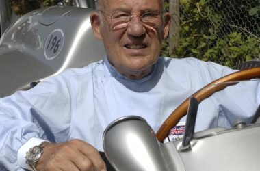 #VOA: British Racing Legend Stirling Moss Dies at 90. #VOANews