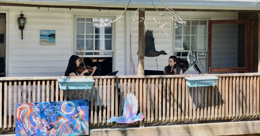 #VOA: From Garages to Porches, Music Keeps Flowing During COVID-19. #VOANews