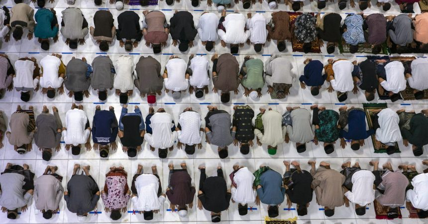 #VOA: Pandemic Brings Gloom to Muslims Marking Month of Ramadan. #VOANews