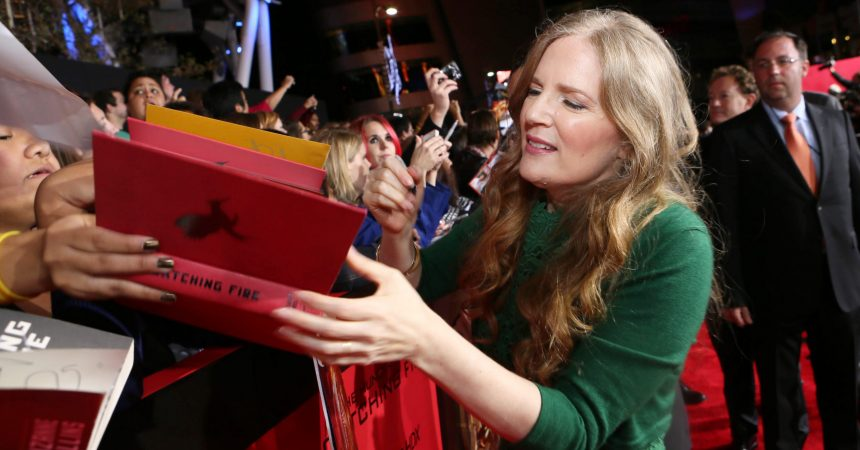 #VOA: New 'Hunger Games' Book Sells More Than 500,000 Copies. #VOANews