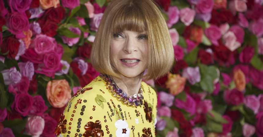 #VOA: Anna Wintour Apologizes for Race-Related 'Mistakes' at Vogue. #VOANews