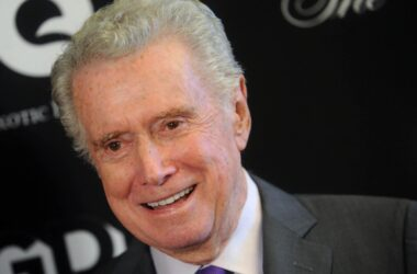 #VOA: Television Personality Regis Philbin Dies at 88. #VOANews
