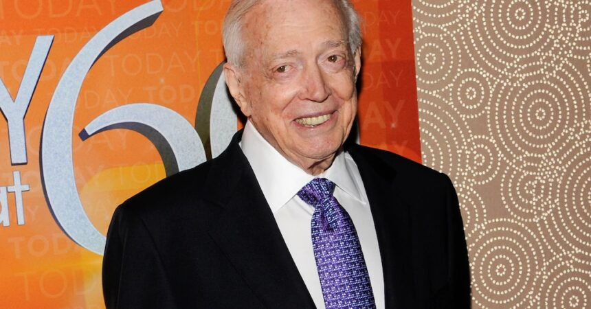 #VOA: Legendary US TV Personality Hugh Downs Dies at 99. #VOANews