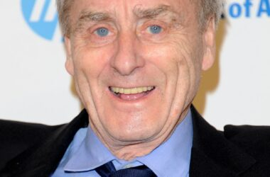 #VOA: Sir Harold Evans, Crusading Publisher and Author, Dies at 92. #VOANews