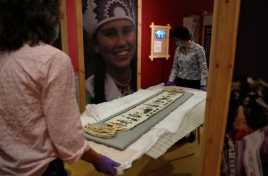 #VOA: In Europe, Native American History Celebrated During Mayflower Commemoration. #VOANews