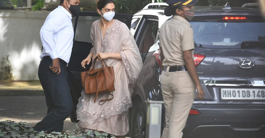 #VOA: 3 Bollywood Stars Questioned in Drug Investigation. #VOANews