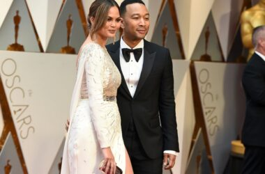 #VOA: Chrissy Teigen and John Legend Grieve Their Miscarriage. #VOANews