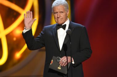 #VOA: Alex Trebek, Long-Running 'Jeopardy!' Host, Dies at 80. #VOANews