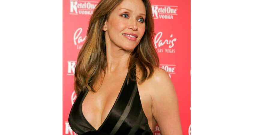 #VOA: Tanya Roberts, Bond Girl and 'That '70s Show' Star, Hospitalized. #VOANews