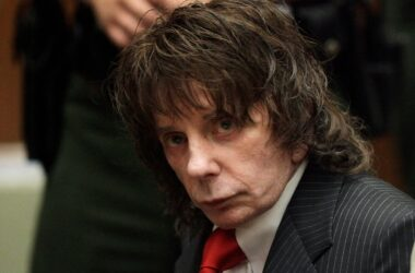 #VOA: Phil Spector, Famed Music Producer and Convicted Murderer, Dies at 81 . #VOANews