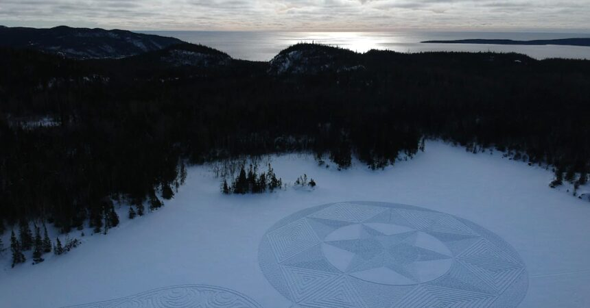 #VOA: One Step at a Time: Canadian Creates Spectacular 'Snowshoe Art'. #VOANews
